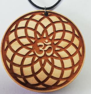 Torus-Blume mit OM Symbol, auf Zirbenholz gelasert