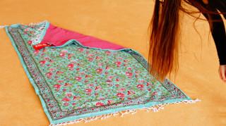 Yoga-Tuch in floralem Design türkis