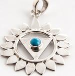 5. Chakra Anhänger aus Silber mit Türkis