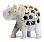 Elefant im Elefanten aus Speckstein 7,5 cm hoch